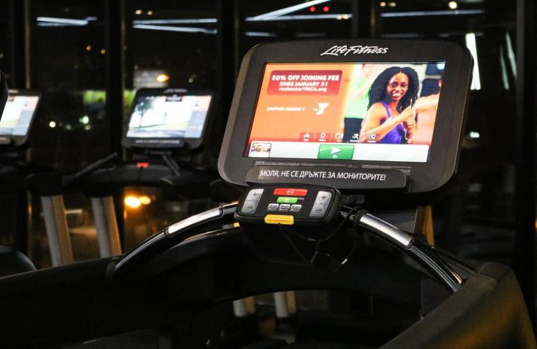 Галерия  Кардио зона Pulse Fitness & Spa PLATINUM