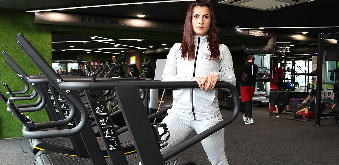 Подобри тичането си с тренировки на извита пътека