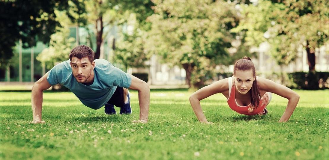 Фитнес в жегите: как да тренираме през лятото?