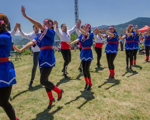 Народните танци: Традиции и кардио в едно