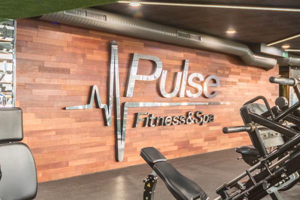 Pulse Fitness&Spa Bulgaria разширява общата си площ с нова фитнес зона за силови тренировки